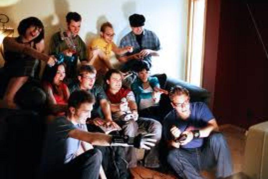 """Jocurile online – """"Spaţii în care viaţa materială se extinde"""""""